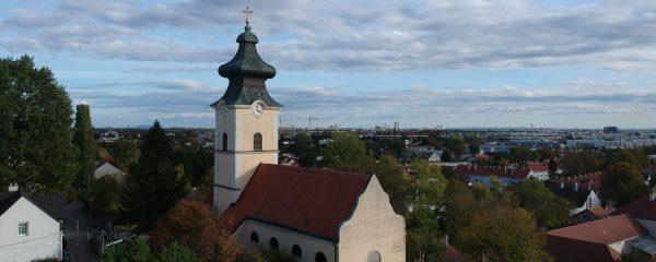 Luftaufnahme der Stammersdorfer Pfarrkirche